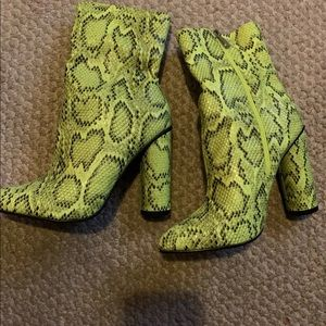 Fashionnova boots size 8